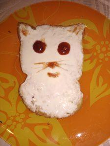 Бутерброд кошка